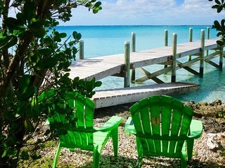 Secluded but not isolated island home...kayaks, golf cart, boat slip!