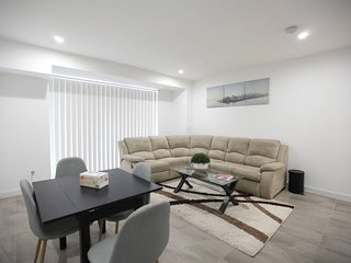 Dee Why Beach Holiday Apartment With Parking *G