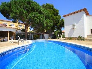 FORTUNA villa, piscina privada y grán jardín