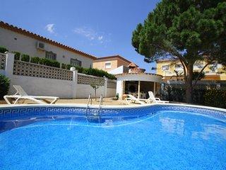 FORTUNA villa, piscina privada y gran jardin