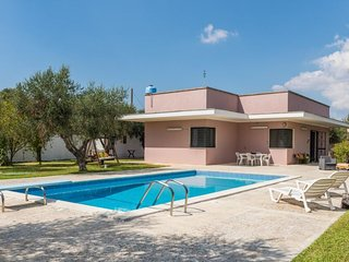 3 bedroom Villa with Pool, Air Con and WiFi - 5696693
