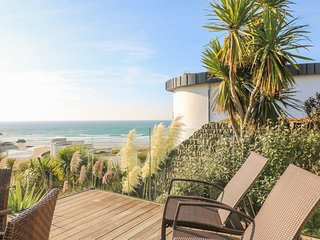 CUTTY SARK contemporary coastal house, overlooking beach, outstanding sea views,