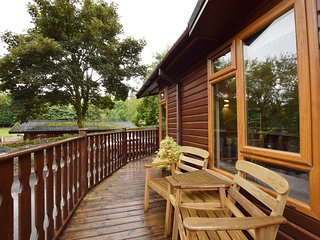 LAKELAND LODGE, open-plan, all ground floor, in Windermere