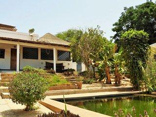Villa Joko: plage à 20m, piscine écologique, vue océan, pension