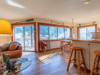 Squaw Valley Condo w/ VIEWS | Walk to the Village