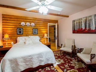 Quarter Horse Inn / Heather Room