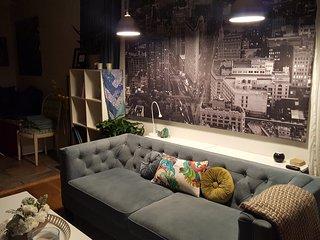 Sunny Silverlake Apartment