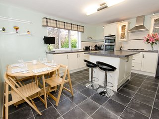 Sealsbank Cottage - WiFi, pets welcome, lovely property, great facilities!