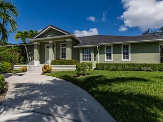 Diplomat Ct - DIP581 - Spacious Tigertail Home!