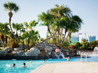3 GREAT UNITS FOR 12 GUESTS! DISNEY PARKS SHUTTLE, POOLS, HOT-TUB, PARKING, GYM!