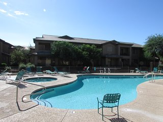 2BR Plus Ocotillo Townhome, Heated Pool/Spa