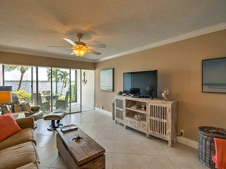 NEW! Siesta Key Condo w/Pool-Walk to Turtle Beach!