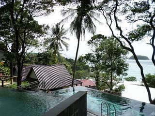 1 bed bungalow D two minutes walk to Kata beach