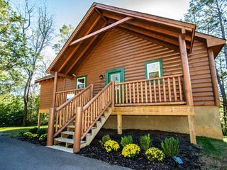 Location Location!  Less than 1/2 mile from the Parkway in Pigeon Forge, Theater