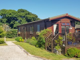 THE COASTAL LODGE, cottage close to picturesque walks, beaches and Port Isaac
