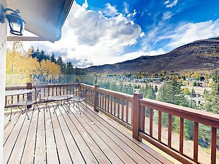 Luxurious 4BR Retreat w/ Mountain-View Double Deck & Two-Sided Fireplace