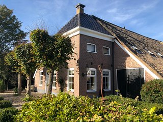 Authentic Farmhouse in Drenthe close to Groningen-city