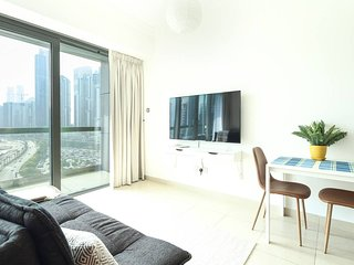 Spacious Studio in new 8 Boulevard Walk!