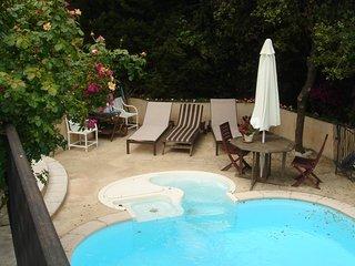 JdV Holidays Maison Asphodelus, private pool & tennis, great location & price!