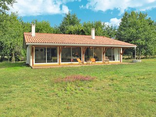 3 bedroom Villa in Saint-Julien-en-Born, Nouvelle-Aquitaine, France : ref 543503