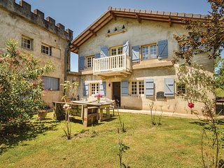 2 bedroom Villa in Charritte-de-Bas, Nouvelle-Aquitaine, France - 5675902