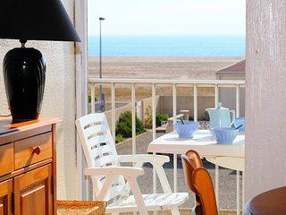 1 bedroom Apartment in Saint-Pierre-sur-Mer, Occitania, France : ref 5513965