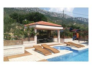 3 bedroom Villa in Kastel Sucurac, Splitsko-Dalmatinska Zupanija, Croatia : ref