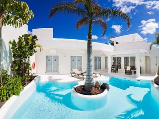 3 bedroom Villa in Corralejo, Canary Islands, Spain : ref 5636554