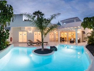 3 bedroom Villa in Corralejo, Canary Islands, Spain : ref 5636554