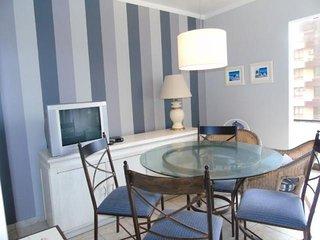 Apartamento 2 dormitorios / perto da praia