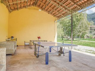 4 bedroom Villa in Case Nuove-Quattro Stradoni, Campania, Italy : ref 5682304