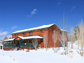 BIG SKY RANCH~Amazing Family/Group Lodge~Minutes To Town~