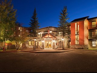 Legacy Vacation Club Steamboat 1 BR Suite ~ SKIING ~ Family & Budget Friendly!