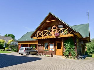 Morta's Guesthouse - Big Wooden House