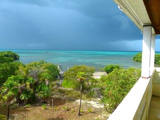 OCEANFRONT, PANORAMIC VIEWS, PRIVATE, QUIET, 3-STORY HOME WITH FISHING & BIRDING