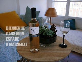 Appartement Calme Vue Directe sur Vieux Port Marseille T3 72M2