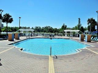 4 bedrooms / 3 bath up villa near to Disney!