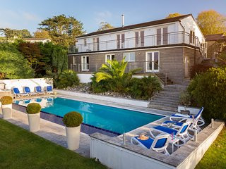 Piran House, a beautiful 5 bedroom 4 bathroom villa with heated pool and jacuzzi