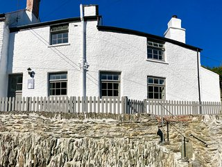 Gulls Perch, Portloe ~ Dog Friendly/Log Burner/Wifi