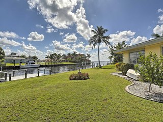 Waterfront Port Charlotte Cottage w/Dock, Bch 2 Mi