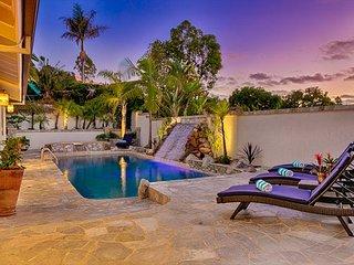 Custom home on quiet cul-de-sac, w/ pool, hot tub, outdoor bbq & ocean views!