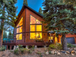 High End Tahoe Donner Home, HOA & More!