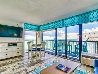 WOW HUGE WRAP AROUND OCEANFRONT BALCONY/ PINNACLE/CORNER/TOP FLOOR/23 POOLS