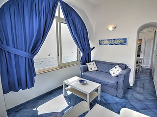Positano Holiday Home Sleeps 4 with Air Con and WiFi - 5229336