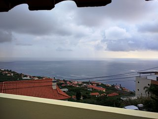 Cozy Calheta 1Bedroom Apartment with Balcony Sea Views