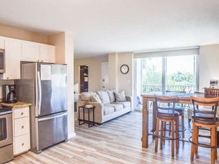 Modern Remodel, 4 Min Walk to Beach, Free Bikes, Beach Gear & Wifi, Perfect Boni