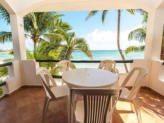 Wonderful beachfront condo great for a relaxing Caribbean Getaway