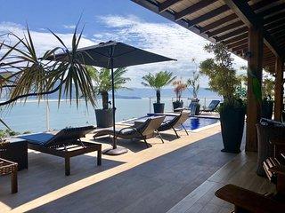 Luxuosa casa de praia com piscina, terraço e elevador com vista para o mar H4Y I
