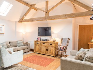 THE HAUGHMOND, dog friendly, WiFi, Upton Magna