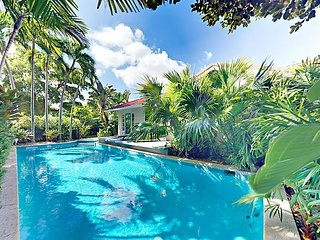 Ultra-Private 4BR El Cid Tropical Paradise w/ Pool & Luxe Courtyard, By Beach